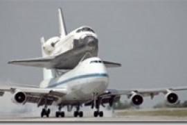 747背上的航天飞机
